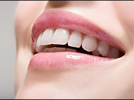 健康的牙齿和牙龈